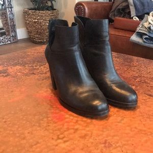 {Vince Camuto} Black Leather Booties. Size 7.5.